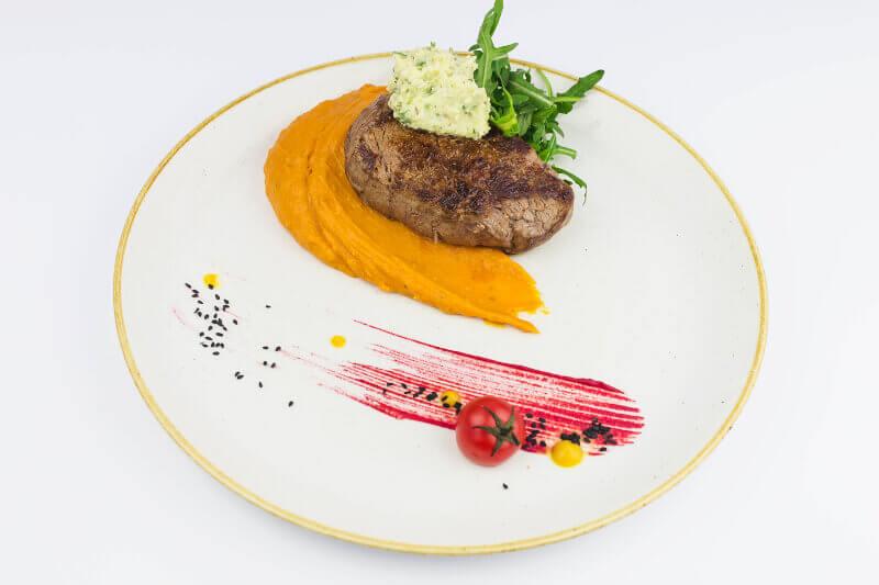 Biftek sa aromatizovanim puterom